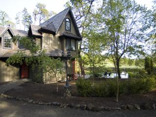 The Lake House - Enchanting Wine Country Privacy, Yamhill