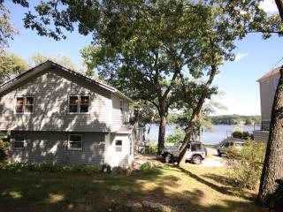 Private Lake Front House in Wisconsin Dells, Lake Delton