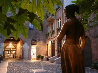 EXCLUSIVE APARTMENTS INSIDE JULIET'S COURTYARD, Verona