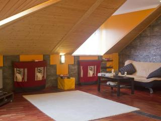 Modern and big attic central located FREE parking, Llanes