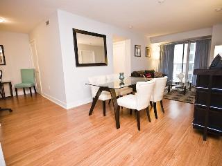 BOOK 5 STAR LUXURY HOME 2BR/2BA: HEART OF DOWNTOWN, Toronto