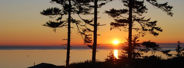 Yes...this really is the view from the front deck!  See Vancouver Island, BC?