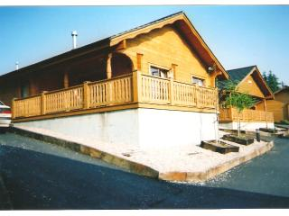SCANDINAVIAN  LODGE, 2 GLENMALURE PINES, CO. WICKLOW, Rathdrum