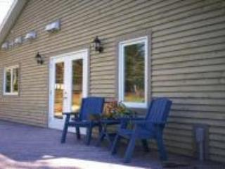 Great Down Garden Apartment, Mahone Bay