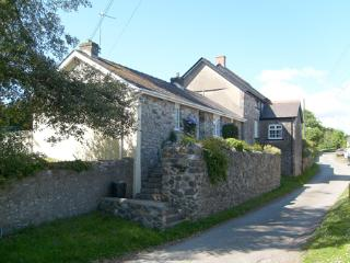 Pet Friendly Holiday Cottage - Salar, Lawrenny