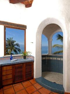 Master Shower open to the ocean