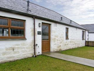 MALLARD COTTAGE, pet friendly, country holiday cottage, with a garden in Lockerbie, Ref 5285