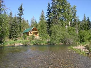 Kootenai River Outfitters Vacation Cabin Rentals, Troy