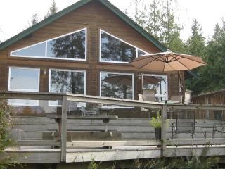 Charming Mount Daniel View , Pender Harbour BC - Sunshine Coast vacation rentals