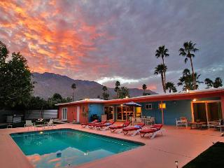 Hardy Park Hangout~ SPECIAL TAKE 20%OFF ANY 5NT STAY IN AUG, Palm Springs