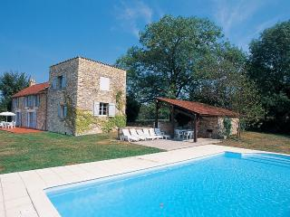 Villa with Pool in the Lot Valley, France - Villa Alain - Paris vacation rentals