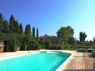 Magnificent XVIII century Provence mas farmhouse, Molleges