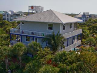 LAS OLAS, N. CAPTIVA 4 Bedroom  2.5 Bath Pool Home, Captiva Island