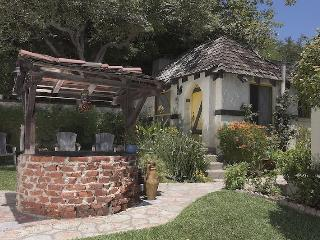 Courtyard view of Yellow Cottage entrance