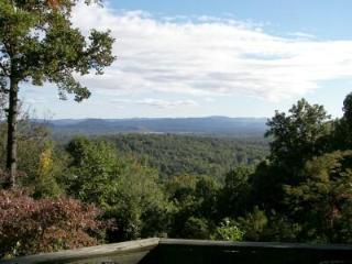 50 Mile VIEWS!!! Hot Tub, Massage Chair, Kings, FP, Asheville