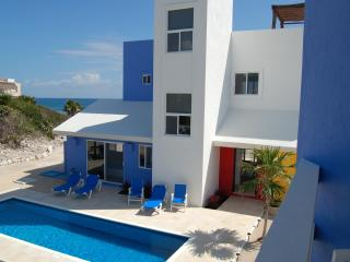 CASA DE COLORES-Architecturally Distinguished Casa, Akumal