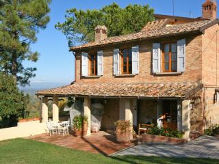 Farmhouse for Rent in Tuscany - Casa Montaione - Paris vacation rentals