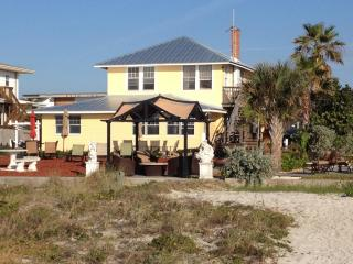 A real Beach House (suite sleeps 8) No more condos, Indian Shores
