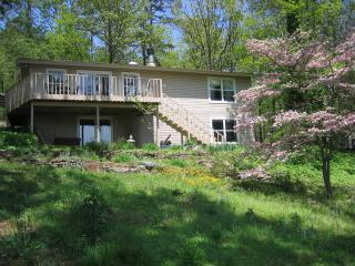 Greer's Ferry Lake View Home 4 BR - 2,114 sq. ft., Greers Ferry