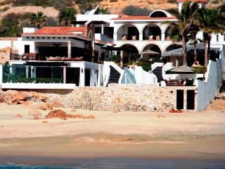 Secluded Beachfront: Chef; Spa; Gym; Sleeps 15, San Jose del Cabo