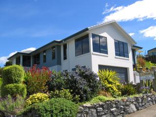 Bay Vista KAITERITERI - Luxury 3 Bedroom Property. - South Island vacation rentals