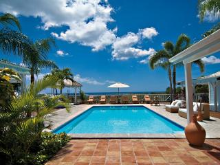 JACARANDA ...  affordable family villa with georgous views of Baie Longe!, Terres Basses