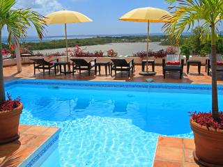 LA MAGNOLIA... Comfortable family villa in French St Martin, Terres Basses