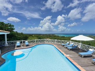 L'OLIVIER ... Breathtaking views from this fully air conditioned, St Martin deluxe vacation villa, Terres Basses