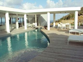 LA MIRELLA... Fabulous  contemporary St Maarten rental villa overlooking Oyster Pond and Dawn beach