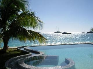 UNFORGETTABLE... indeed! Wonderful beachfront contemporary complex on fabulous beach!, Simpson Bay