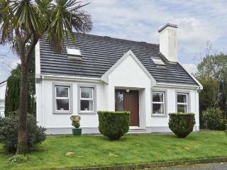 RADHARC NA MARA, family friendly, with a garden in Glengarriff, County Cork, Ref 4604