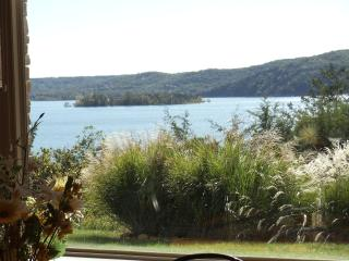 Stunning Condo on Table Rock Lake, Hollister
