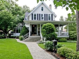 Landmark Historic Home / Walk to Train for Chicago - Illinois vacation rentals