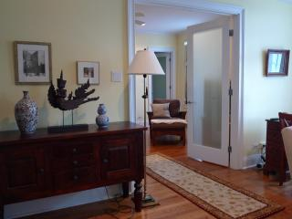 1 or 2 bedroom elegant suites close to the lake, Chicago