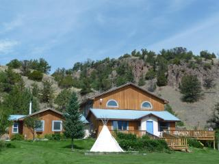 Playful Mountain Home Near Yellowstone Park!, Emigrant