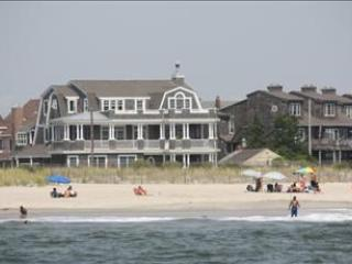 Idyllic House with 5 Bedroom/5 Bathroom in Cape May (95004)