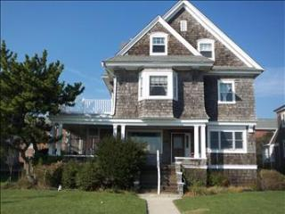 Beautiful House with 7 BR-4 BA in Cape May (Isle of Cape May 44019)