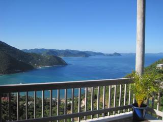 Villa with Pool & Spectacular Views Close to Beach, Tortola