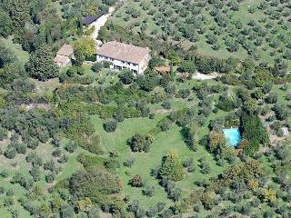 Florence countryside independent apt. with pool, Fiesole