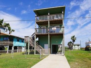 Attitude Adjustment is a great beach-side house located in Sunny Beach!, Galveston