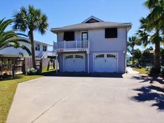 Captain Jack's is a gorgeous 4 BR/3 BA canal home located in Galveston!