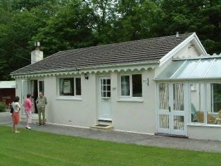 Ger-y-llethi holiday bungalow: cottage near beach, New Quay