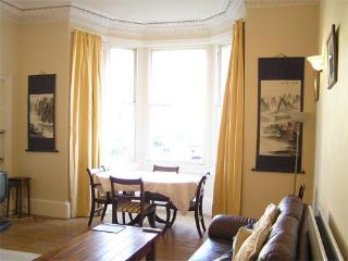 Edinburgh: Gladstone Apt, Marchmont Self Catering - Edinburgh & Lothians vacation rentals