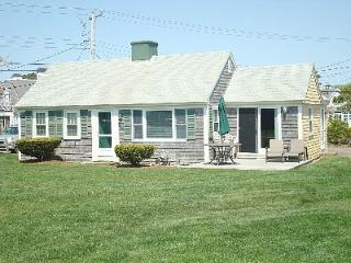 Dennis Seashores Cottage 18 Oceanfront - 4BR 2BA - Dennis Port vacation rentals
