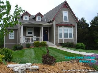 Canyon Creek Cottage ~ Escape to the Lake!, Branson