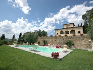 Tuscany Accommodation for Three Couples near a Village - Villa Lucignano - Paris vacation rentals