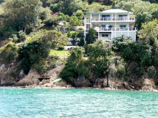 2 BdRm  Coral Bay Waterfront. Great Snorkeling