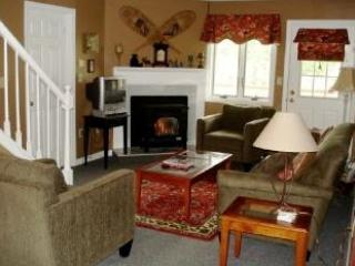 Large Condo, 2 pools, A/C, Wifi, 46' TV 3 bdrm/bth, Lincoln