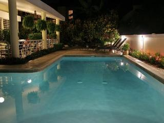 Spaciousness, Comfort & Pool for up to 10 guests!, Mayaguez