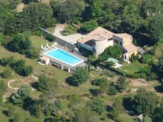 Charming Holiday Home with a Garden and Terrace, on the French Riviera, Les Arcs sur Argens